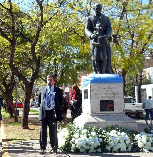 Conmemoraron el d a del maestro hoymercedes Noticias del dia de hoy en argentina espectaculos