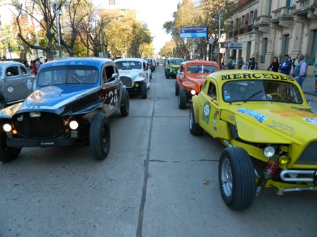 Se Viene Una Nueva Caravana De Autos Antiguos Hoymercedes