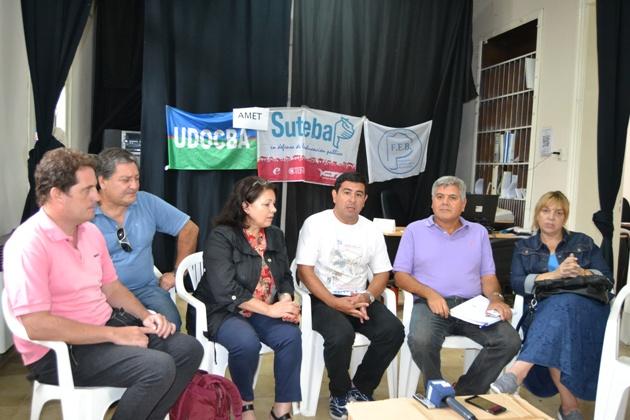 Los seis gremios docentes rechazaron la propuesta del gobierno