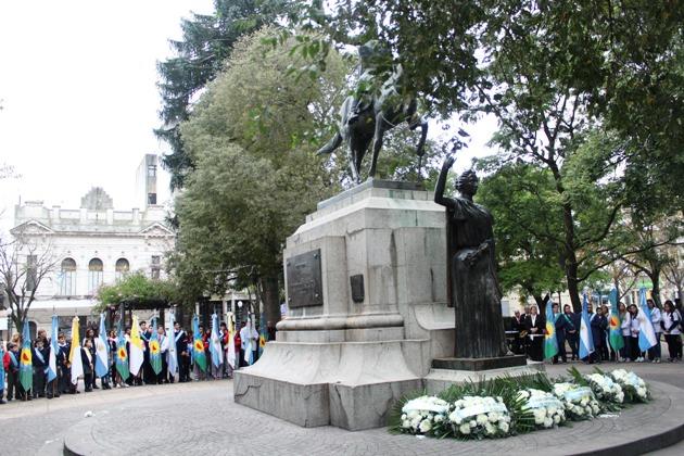 Reflexión en el acto aniversario por la Revolución de Mayo