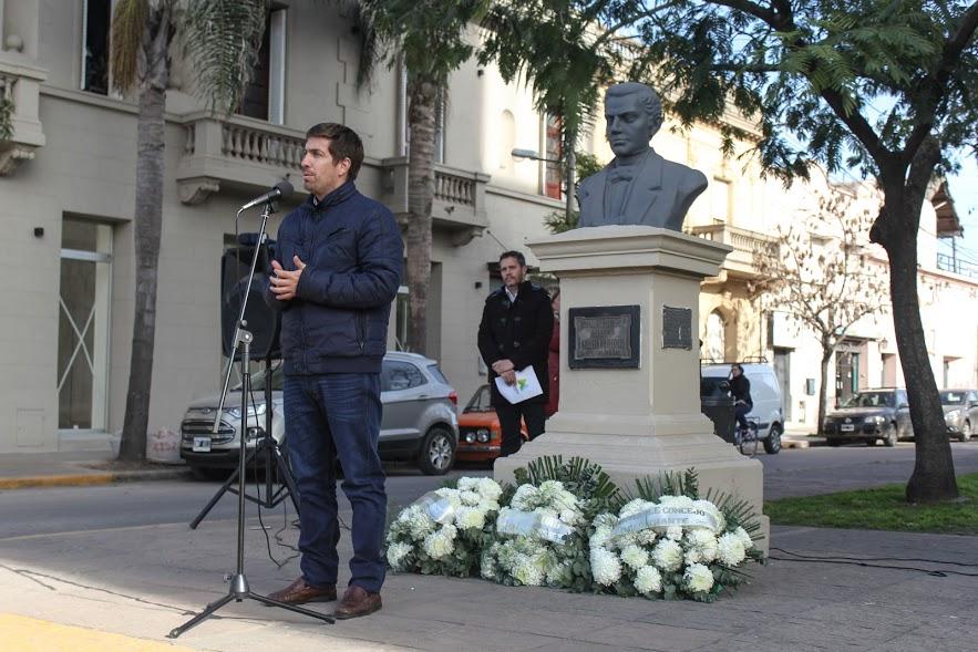 """Ustarroz: """"en nuestra ciudad estamos orgullosos de los periodistas que tenemos"""""""