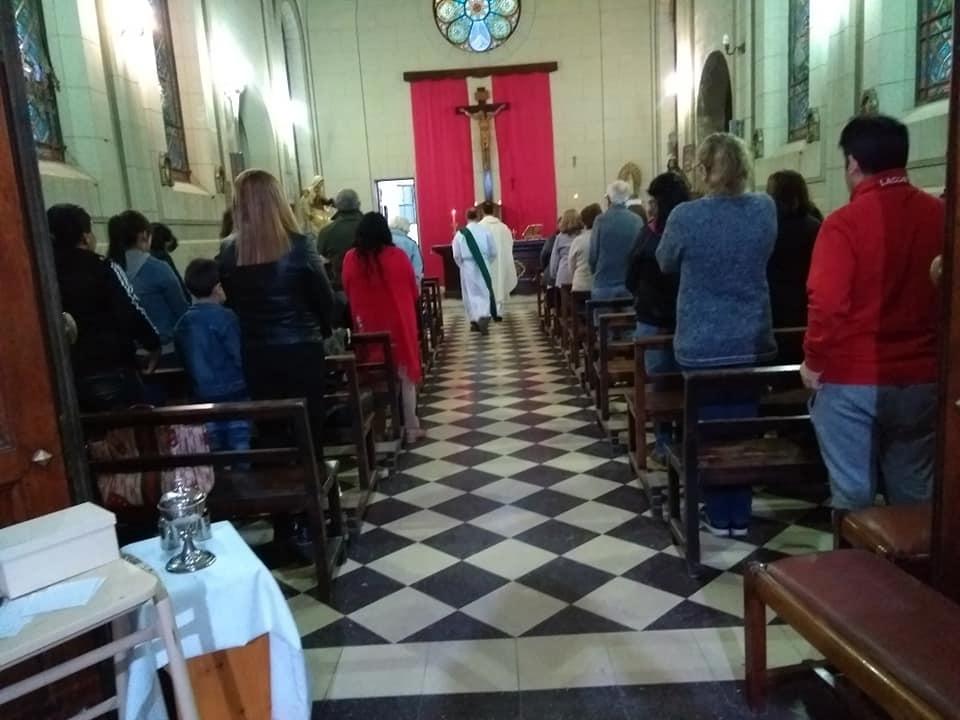 Con un sentido oficio religioso reabrió sus puertas la capilla del Unzué