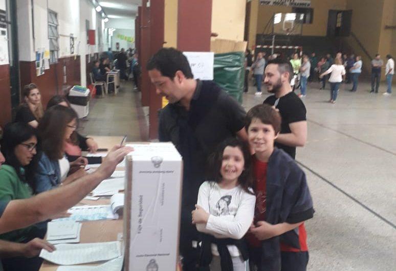 «Siempre celebramos la posibilidad de fortalecer la democracia», dijo Révora