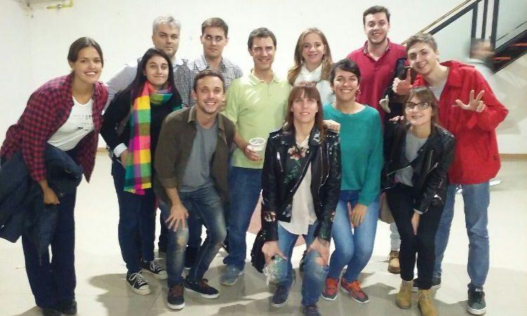 Excelente Trabajo De Cuidado De La Juventud Reanudar Muestras ...